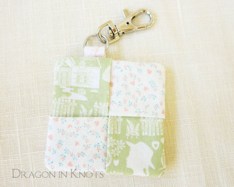 Anne Earbud Pouch - Green and Cream Literary Keychain 1