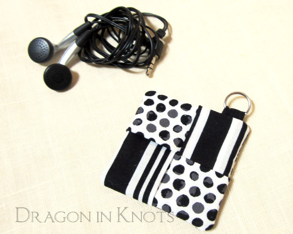 Black and White Earbud Pouch - Dragon in Knots - Earbud Pouches