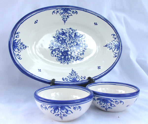 Small platter and 2 condiment bowls - Spanish talavera