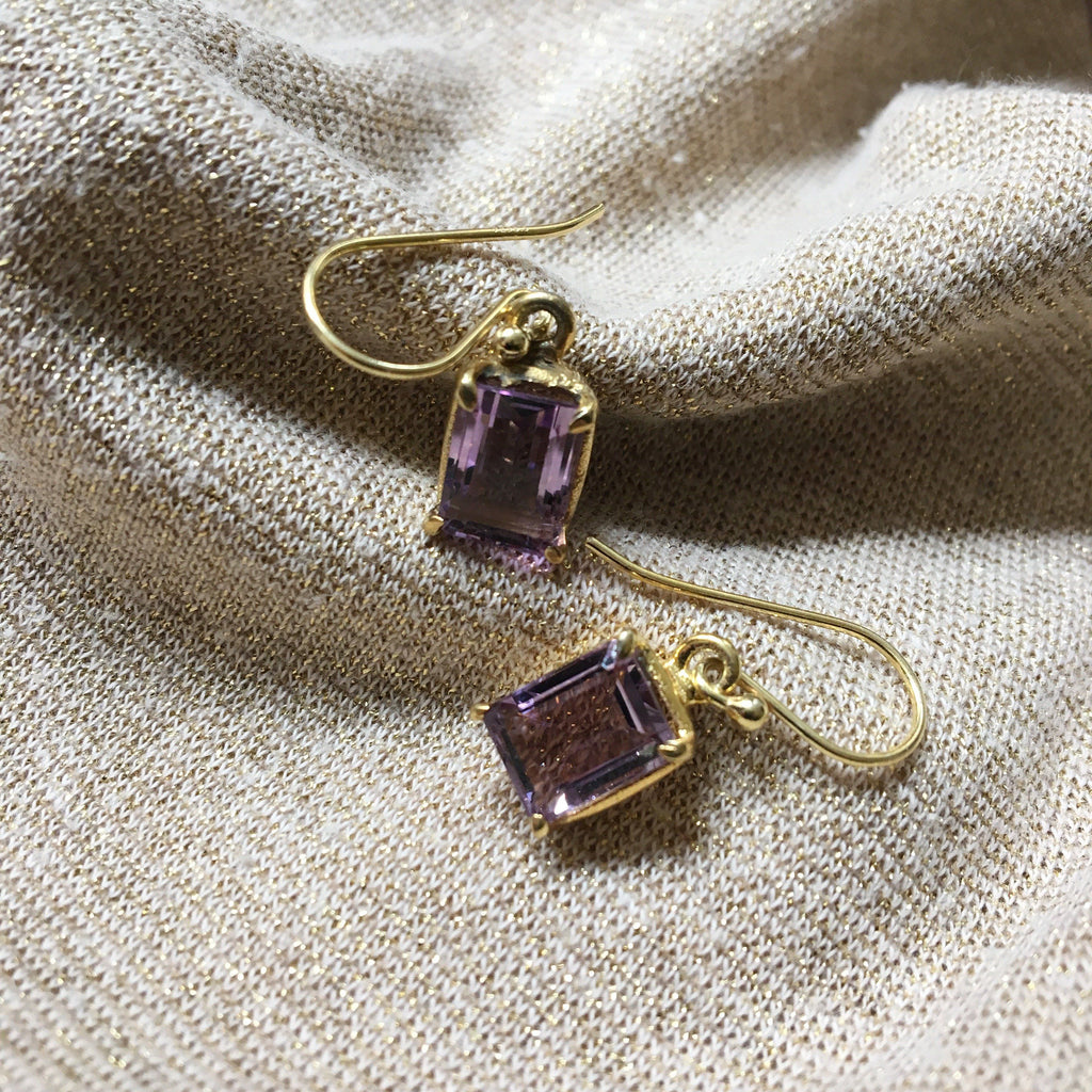 AMETHYST GOLDEN SQUARE DESIGN EARRING