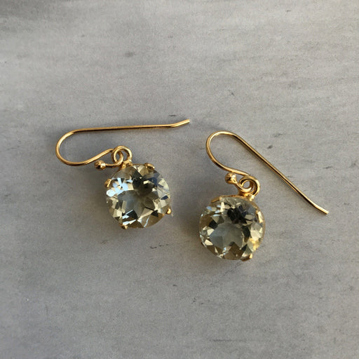 NAJA PALE GREEN GOLDEN EARRING
