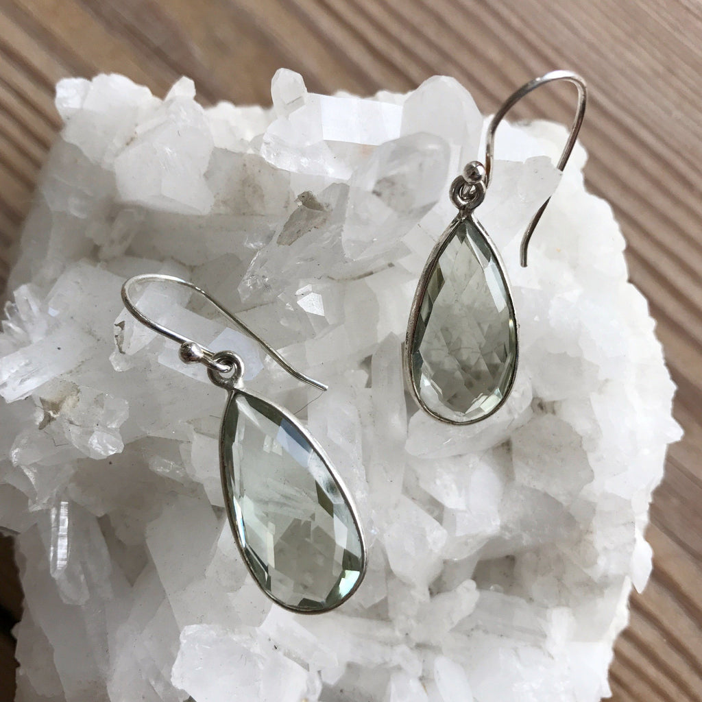GREEN AMETHYST SILVER DESIGN EARRING