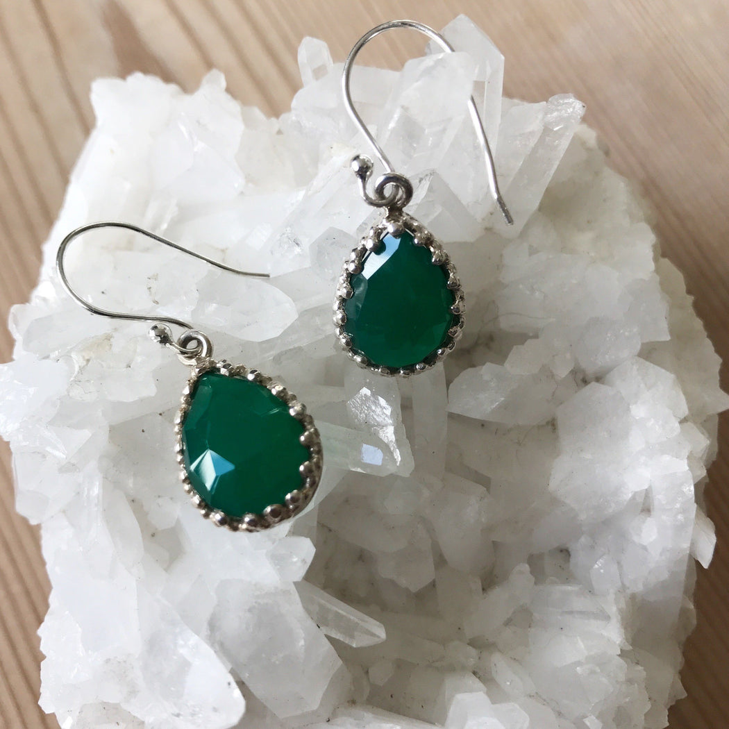 LILI GREEN SILVER EARRING