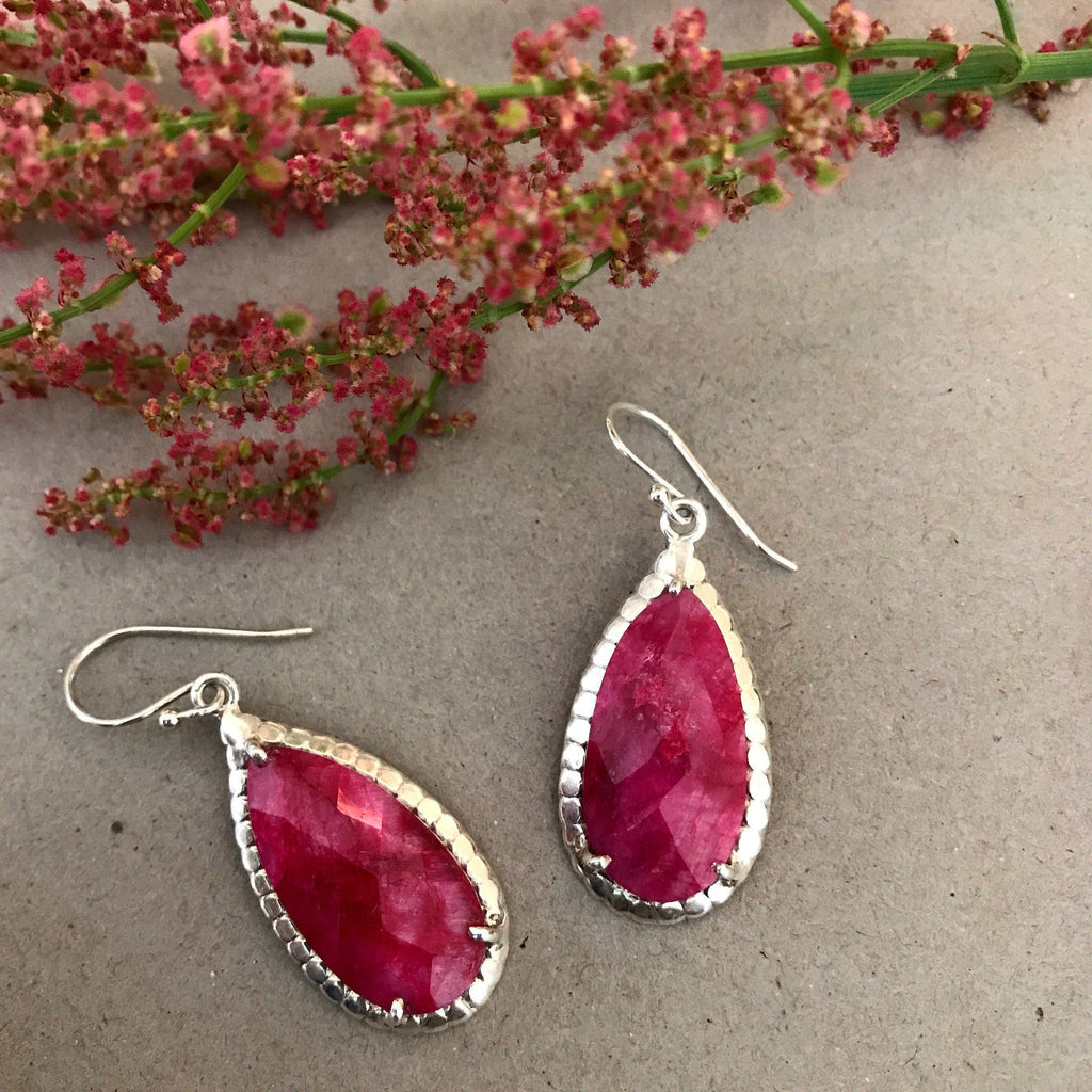 RED SILVER DROP DESIGN EARRING