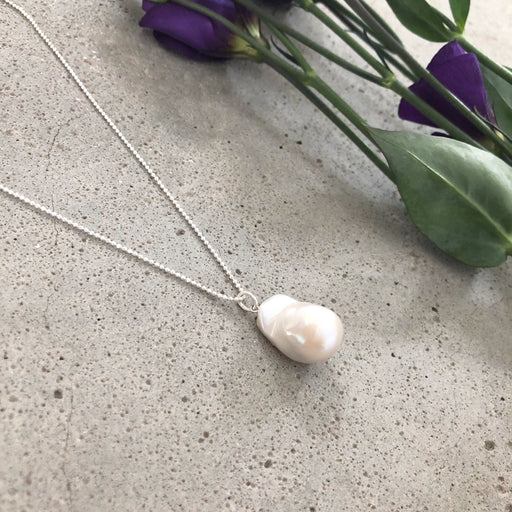 LUCCA BAROQUE PEARL SILVER NECKLACE