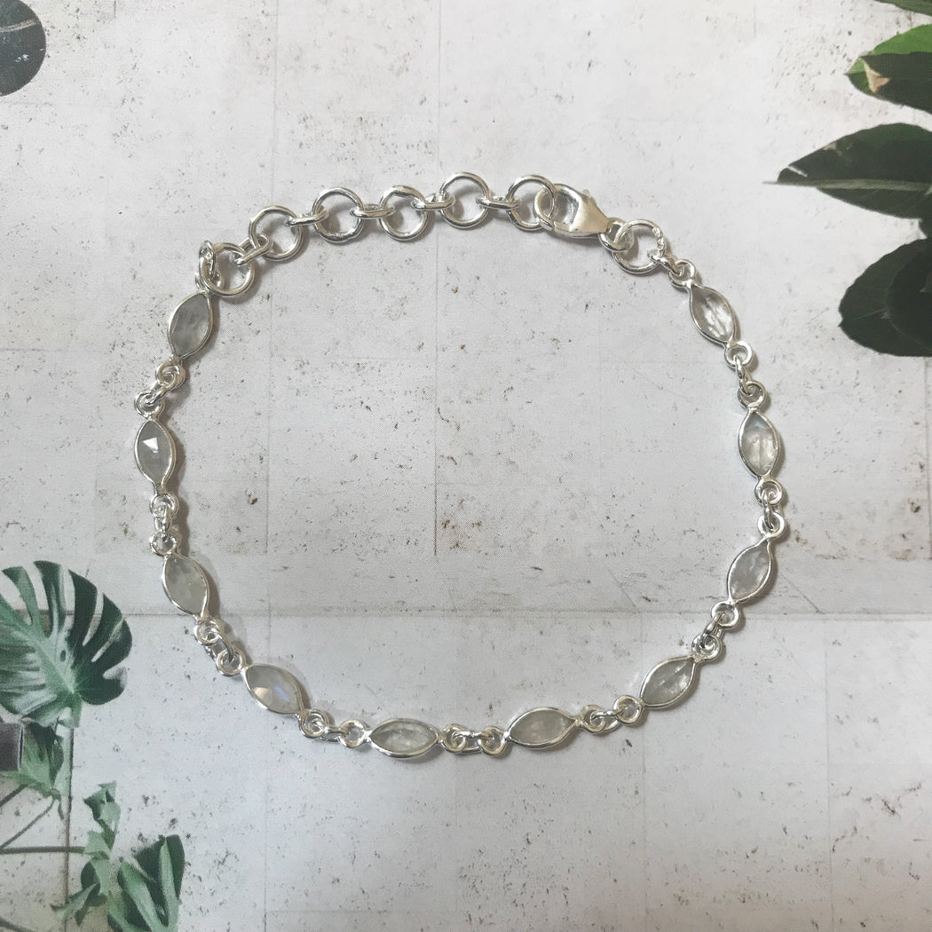 ISABEL LIGHT GREY SILVER BRACELET