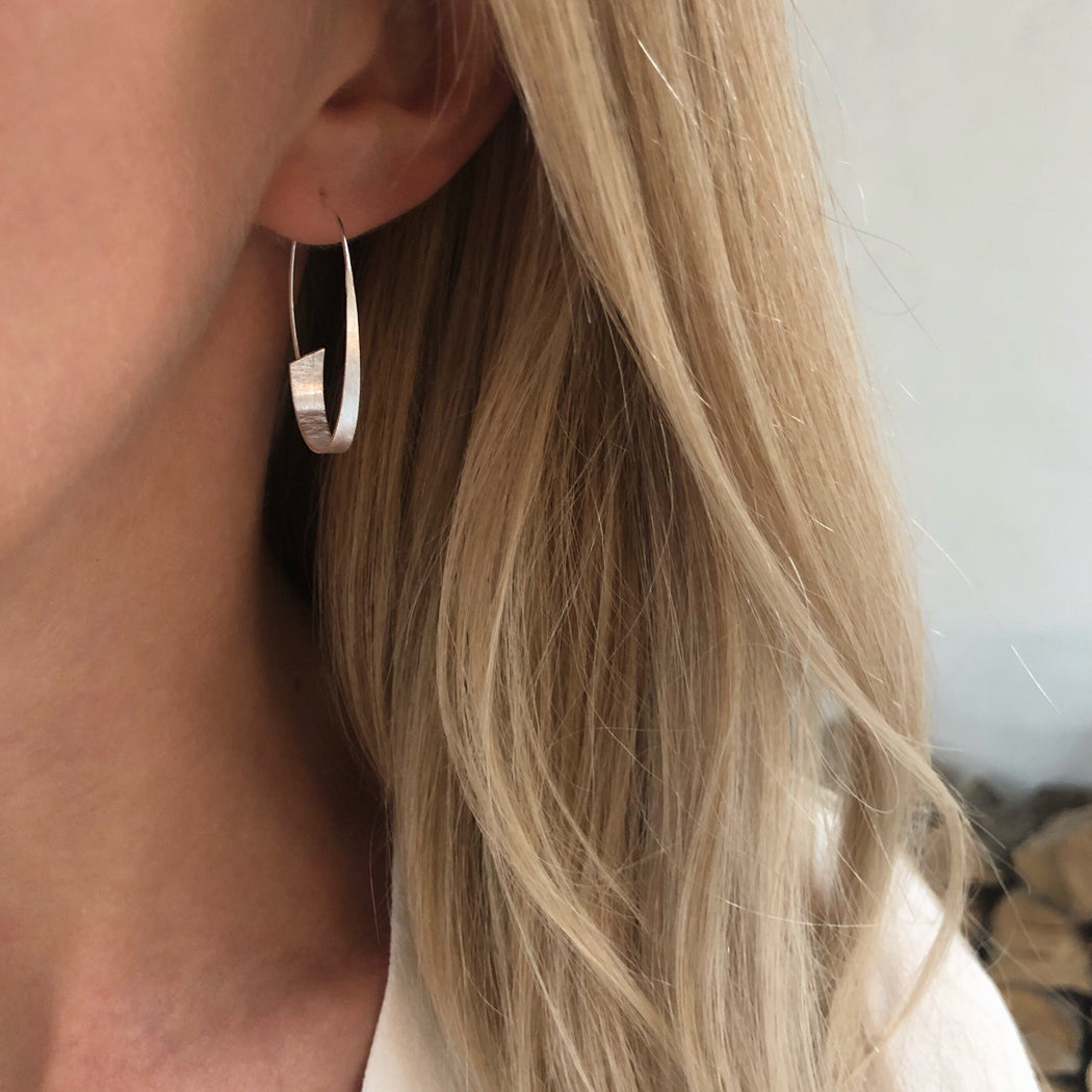 EMILY SILVER CREOL EARRING