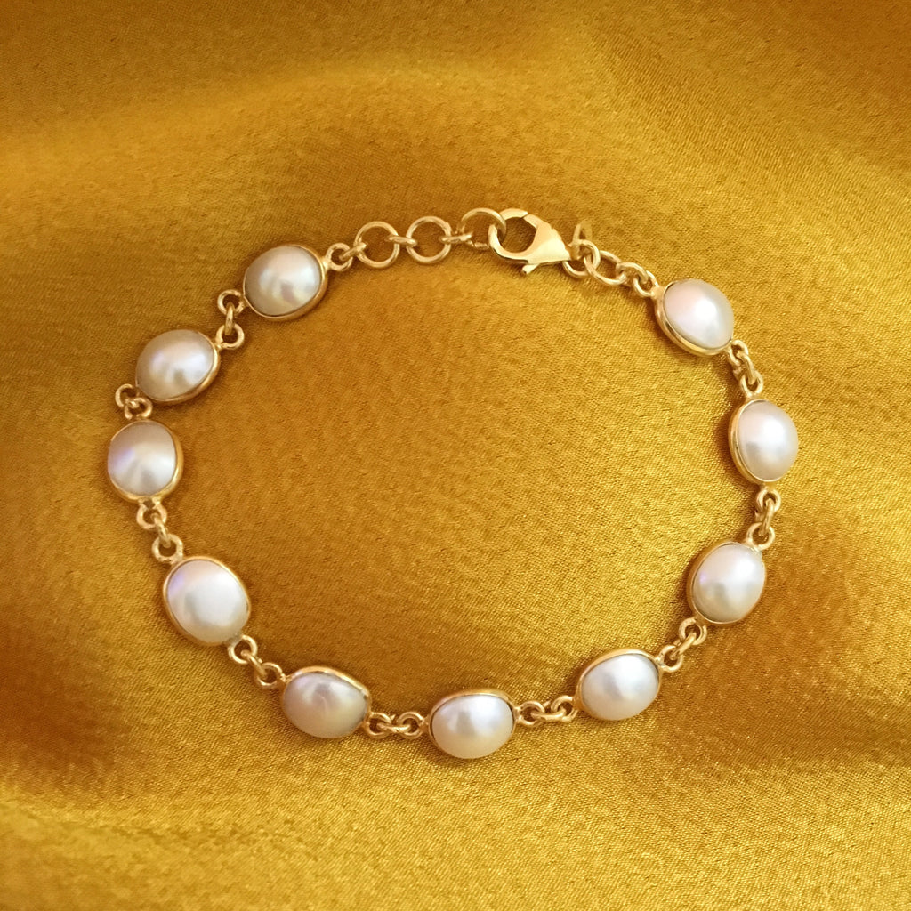 PEARL GOLDEN DESIGN BRACELET