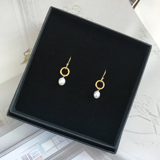 NOVA WHITE PEARL GOLDEN EARRING