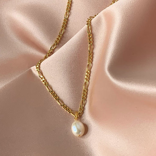 UMA PEARL MEDIUM FIGARO GOLDEN CHAIN