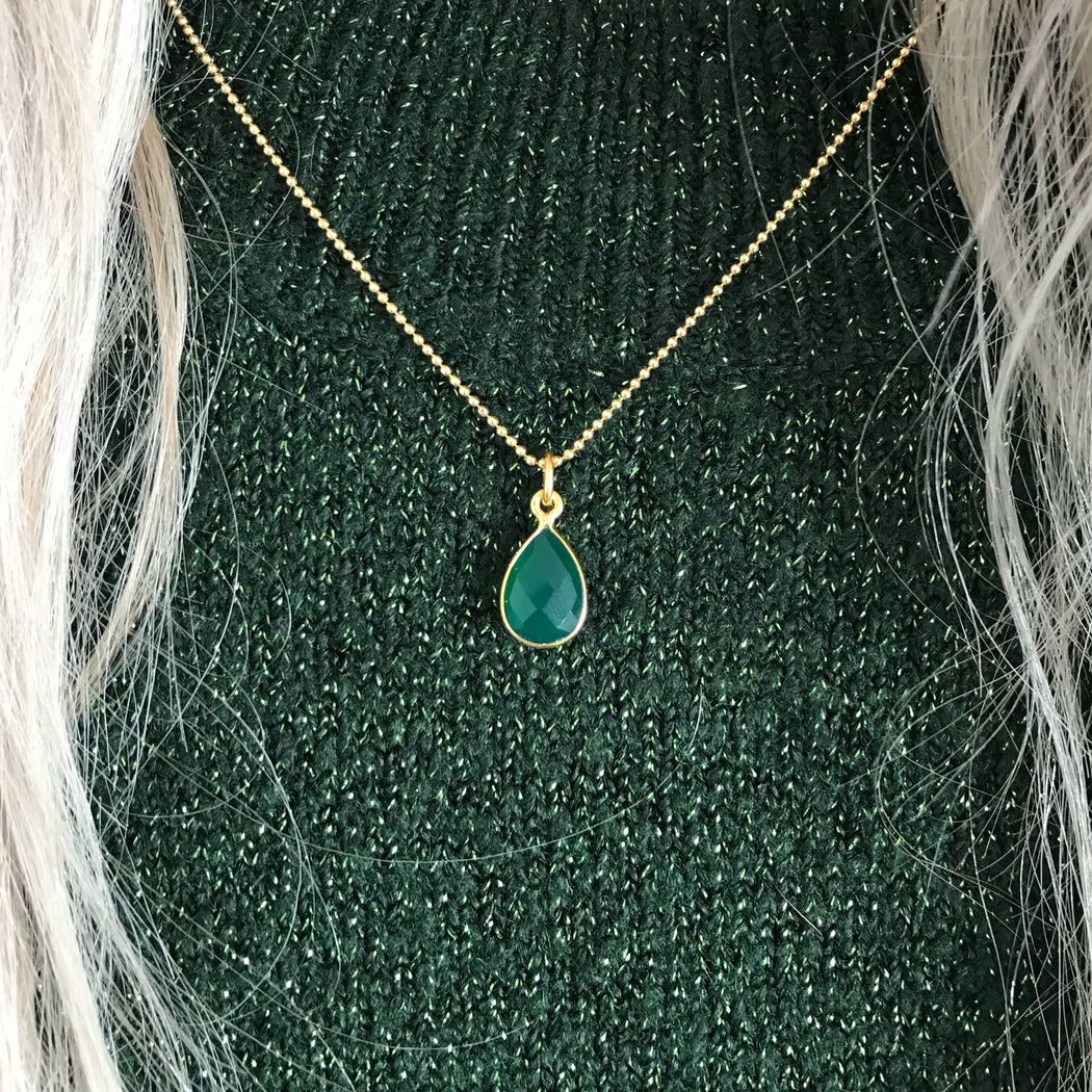 ELLA GREEN GOLDEN NECKLACE