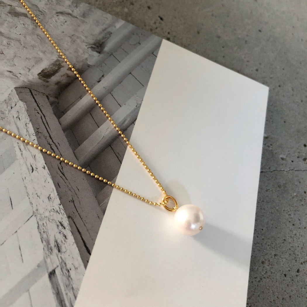 MARIE ROUND PEARL GOLDEN NECKLACE