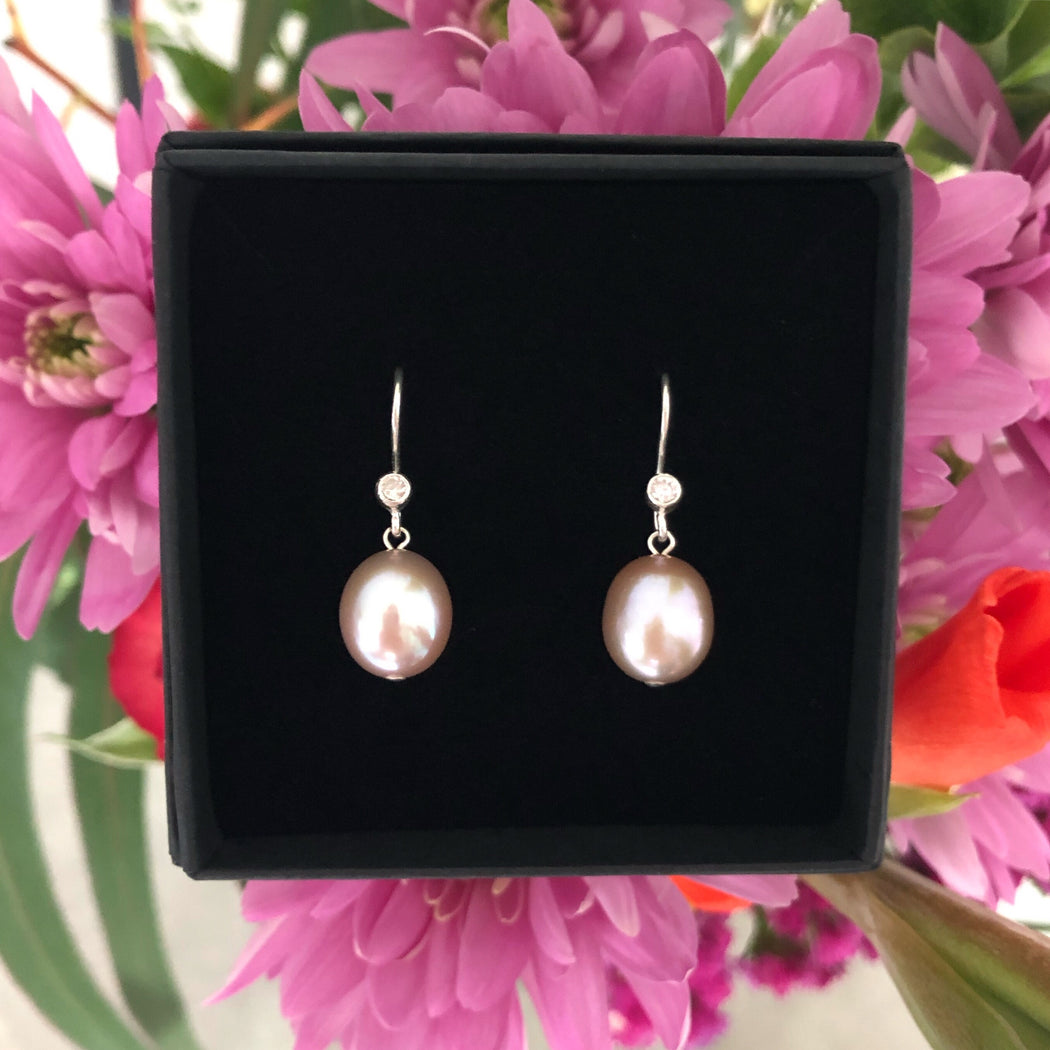 FIONA ROSE PEARL SILVER EARRING