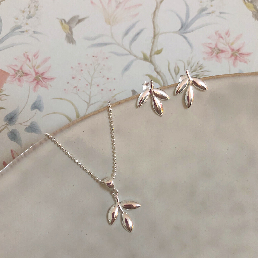 THEA SILVER EARRING NECKLACE SET