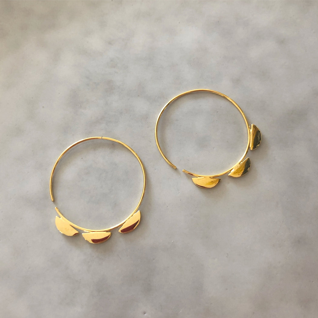 VIGGA GOLDEN CREOL EARRING