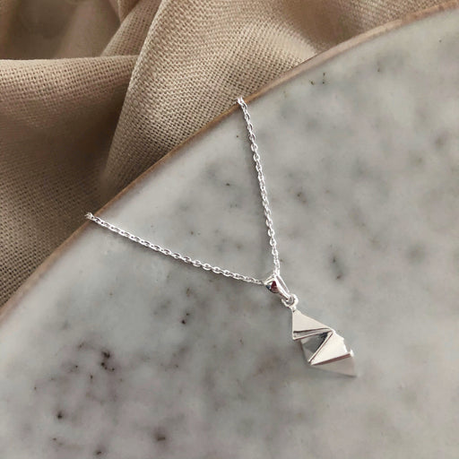 NELLIE SILVER NECKLACE