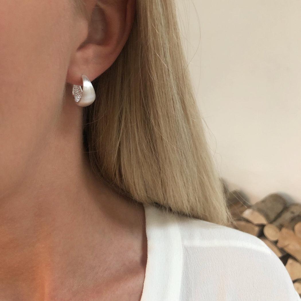 ANDREA SILVER CREOL EARRING