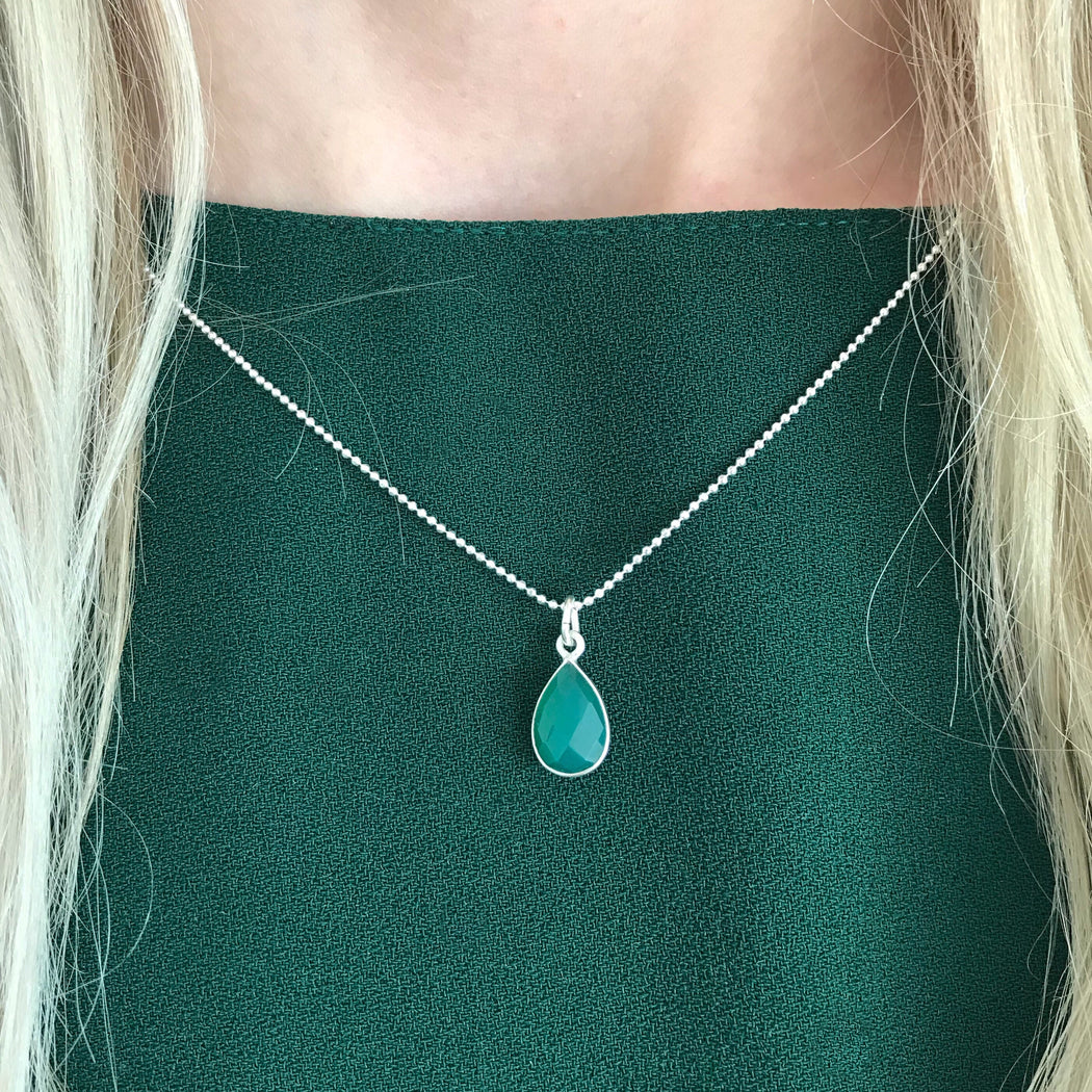 ELLA GREEN SILVER NECKLACE