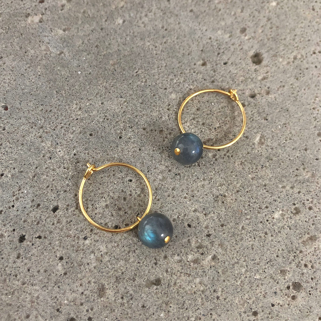 ELLIE DARK GREY GOLDEN CREOL EARRING