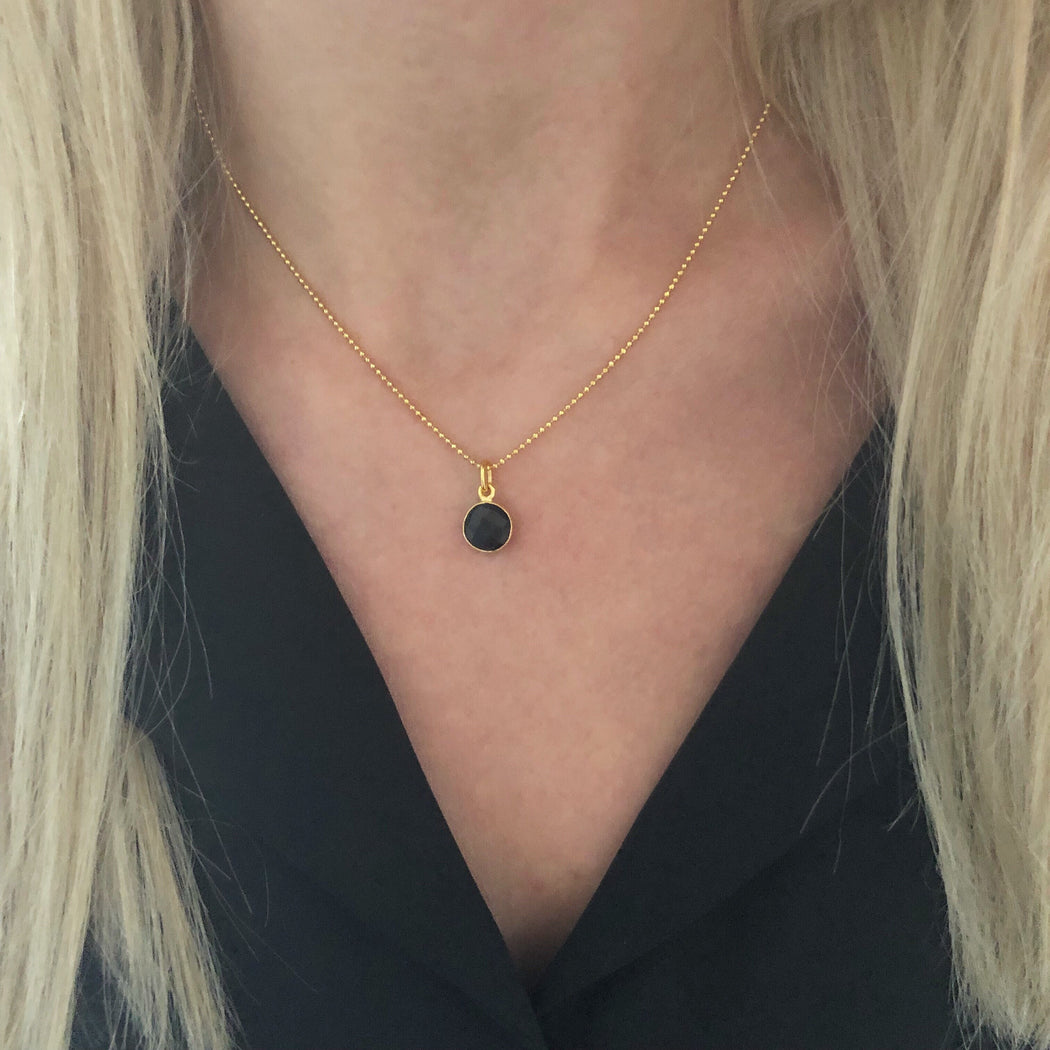 EVA BLACK GOLDEN NECKLACE