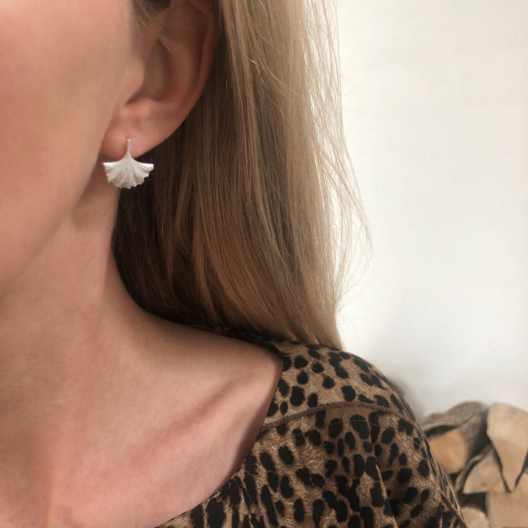INA SILVER EARRING