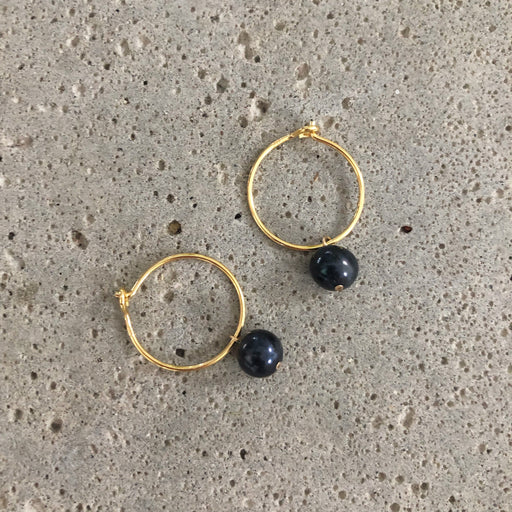ELLIE BLUE PEARL GOLDEN CREOL EARRING