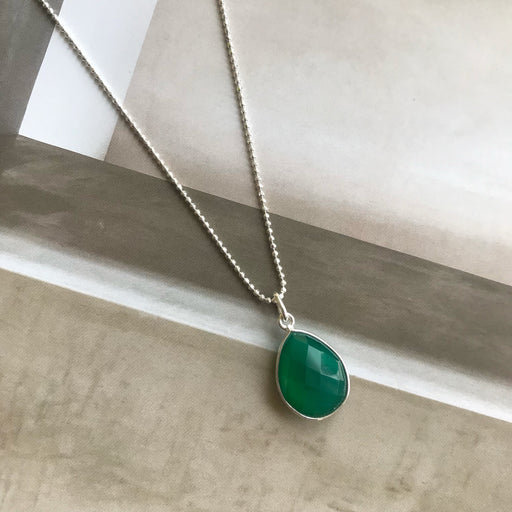 AMALIE GREEN SILVER NECKLACE