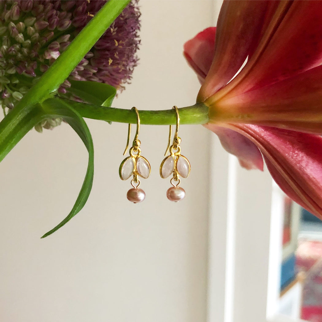 JASMIN ROSE GOLDEN EARRING