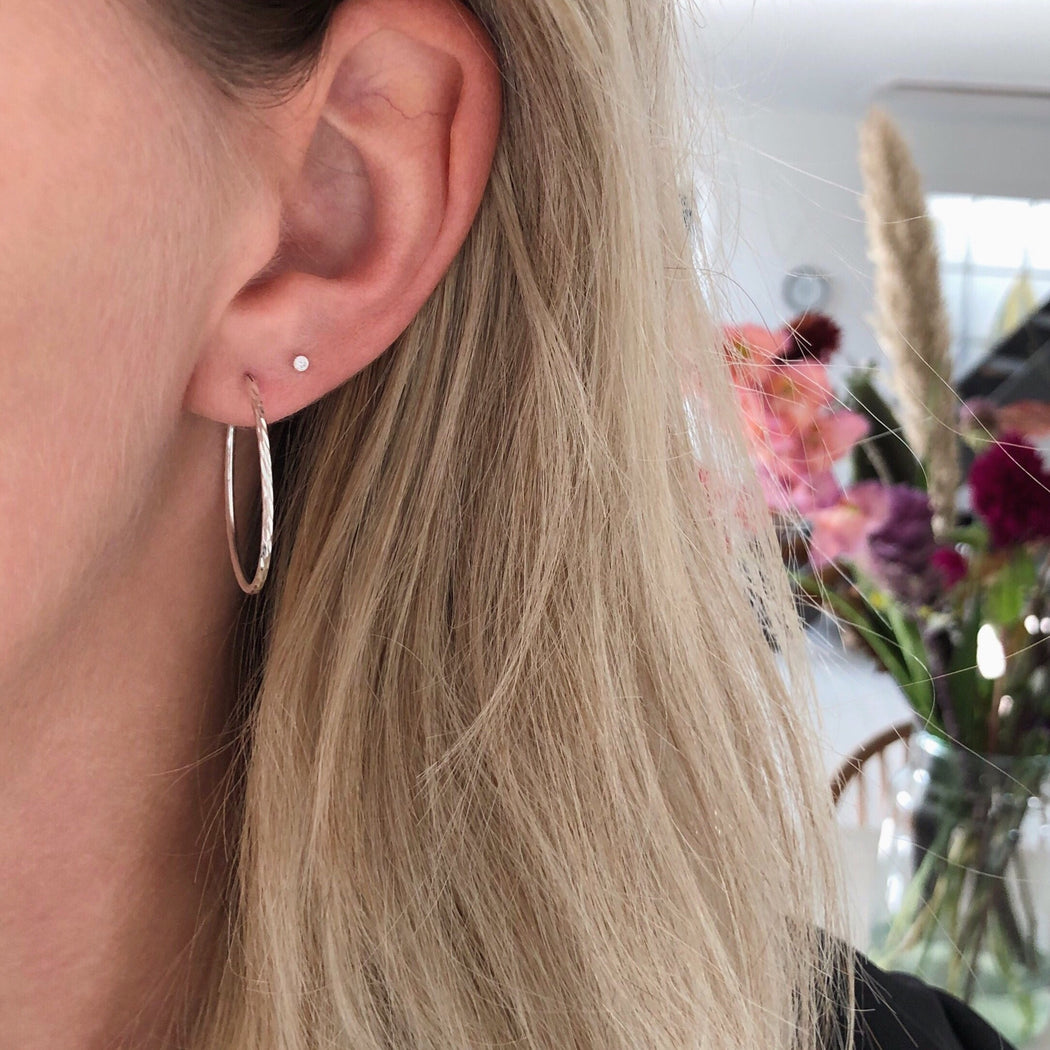 LISE LARGE SILVER CREOL EARRING