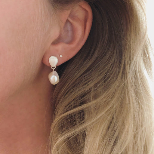 BELLA WHITE BAROQUE PEARL SILVER EARRING