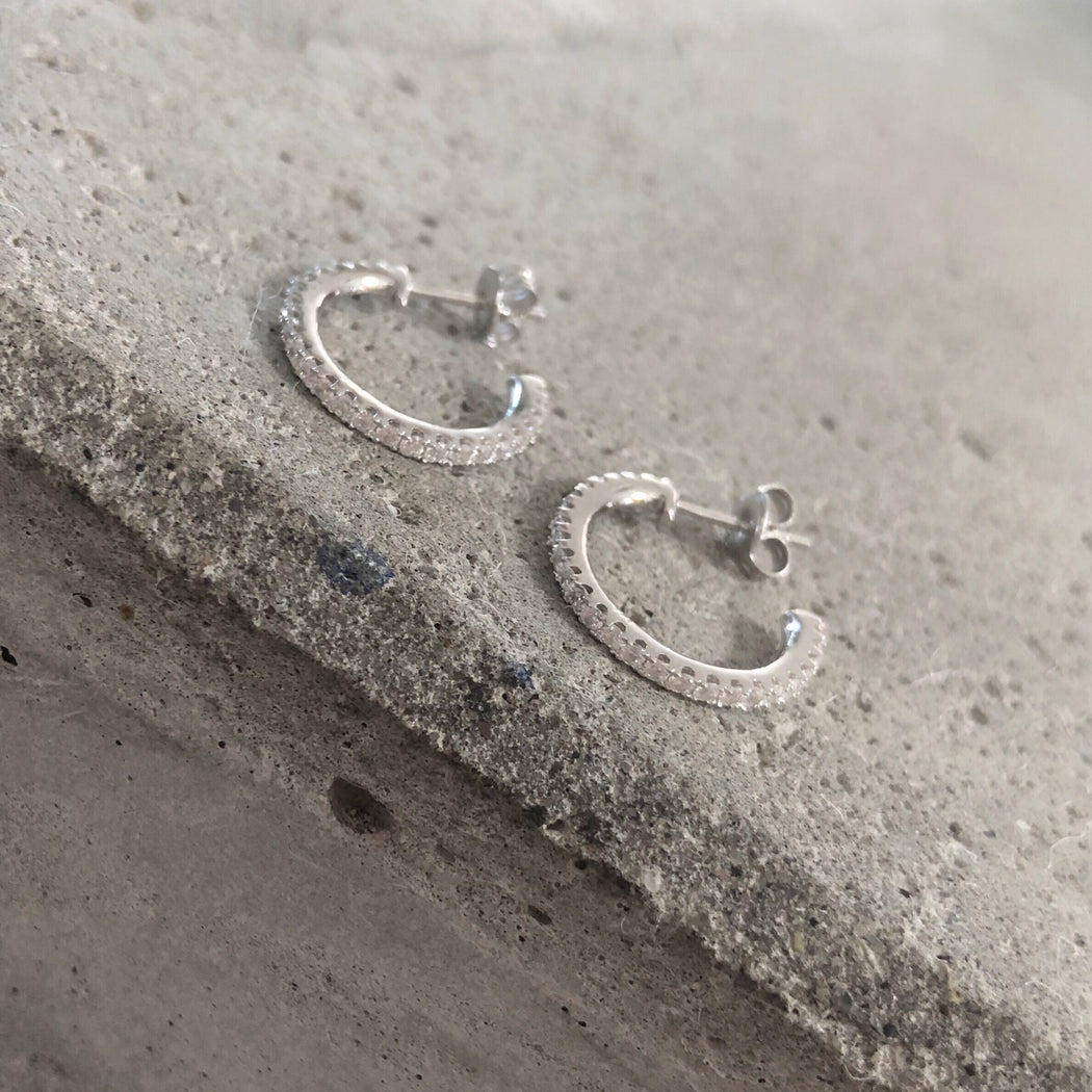 AGNES SILVER CREOL EARRING