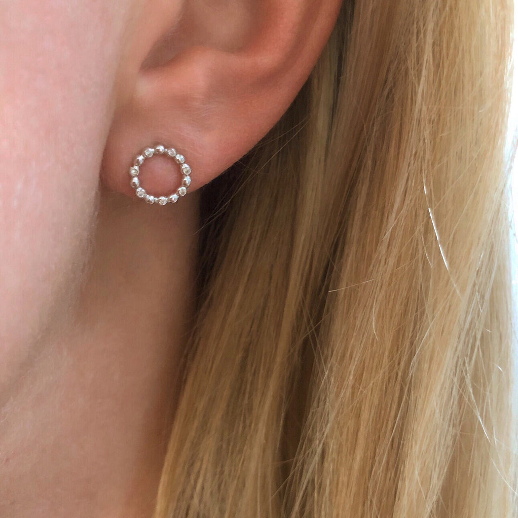 ALBERTE MINI SILVER EARRING