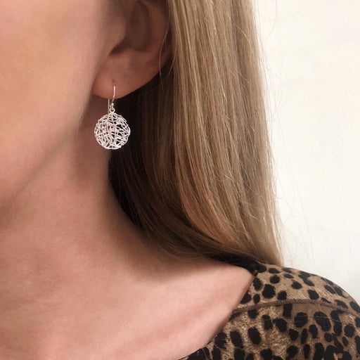 LILY SILVER EARRING