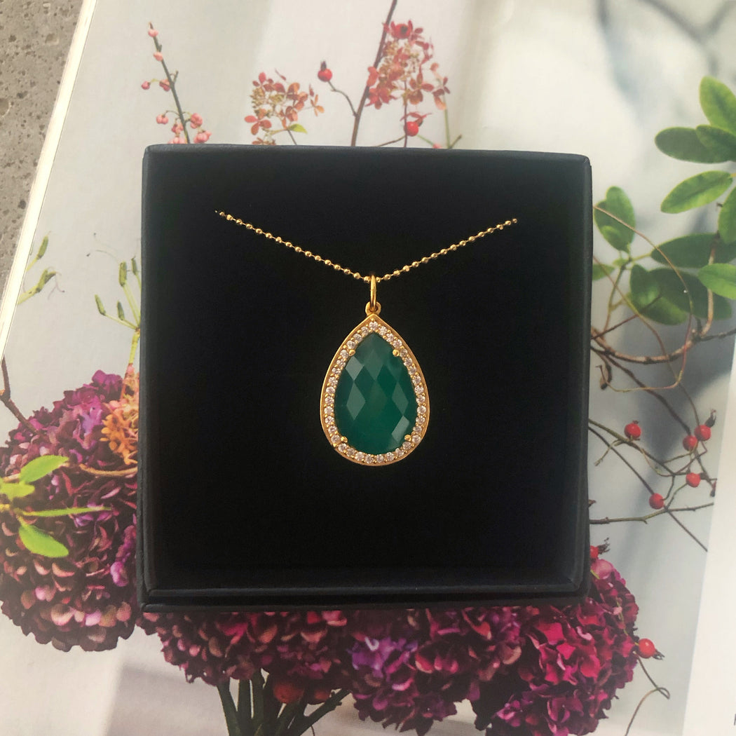 ALEXA GREEN GOLDEN NECKLACE