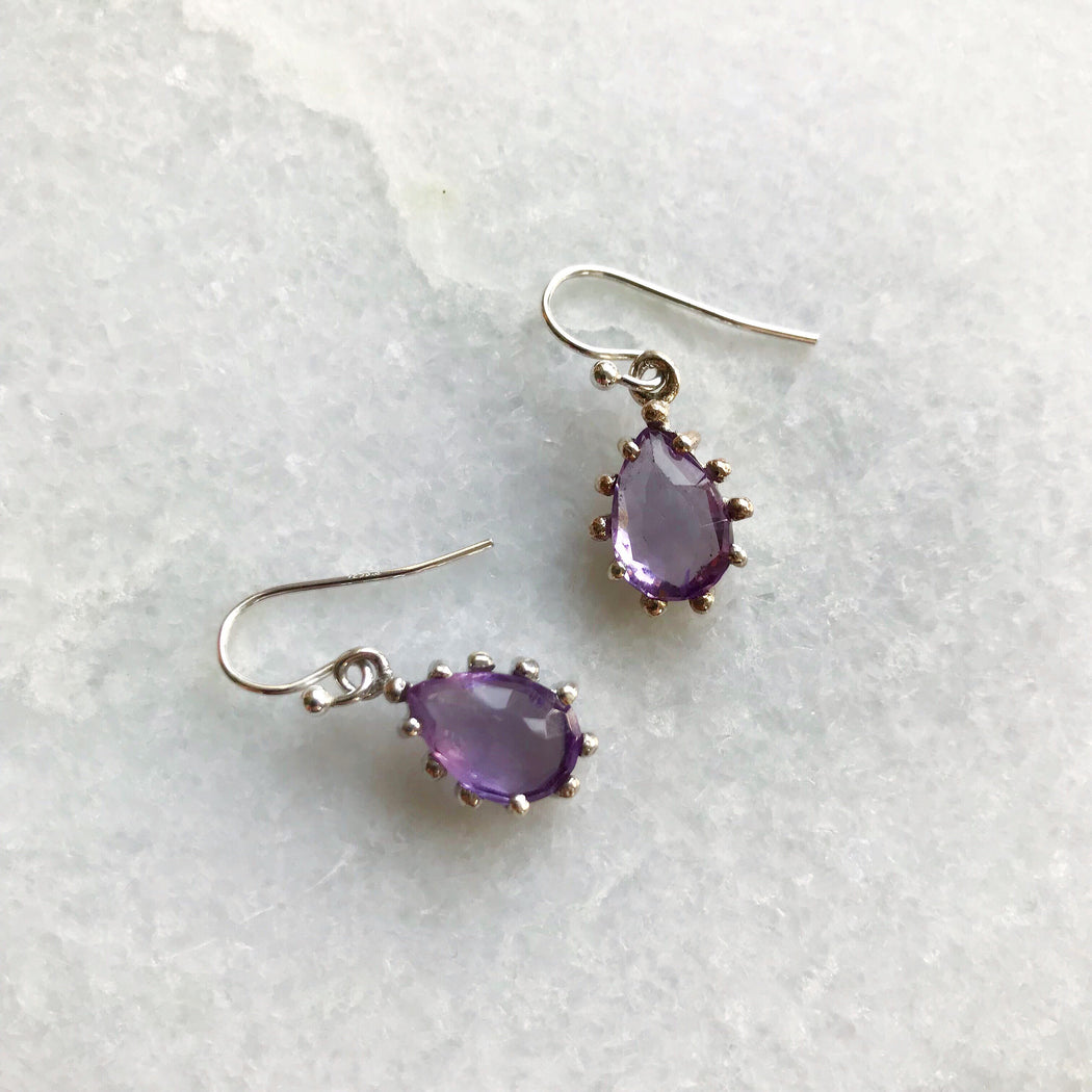 LEA PURPLE SILVER EARRING