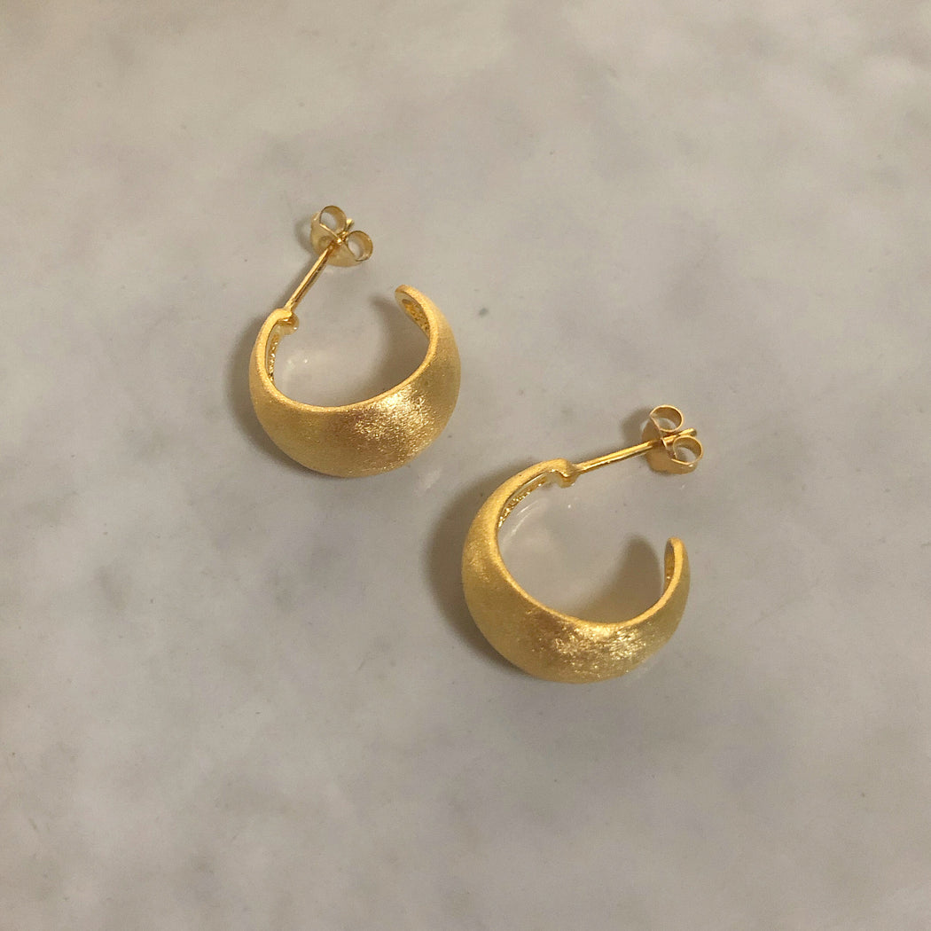 ANDREA GOLDEN CREOL EARRING