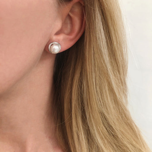 ISABELLA PEARL SILVER EARRING