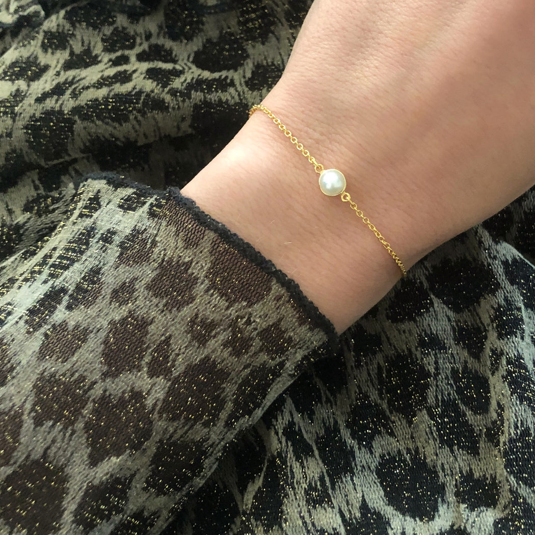EVA MINI PEARL GOLDEN BRACELET
