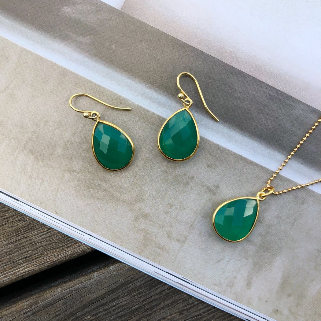 AMALIE GREEN GOLDEN EARRING NECKLACE SET