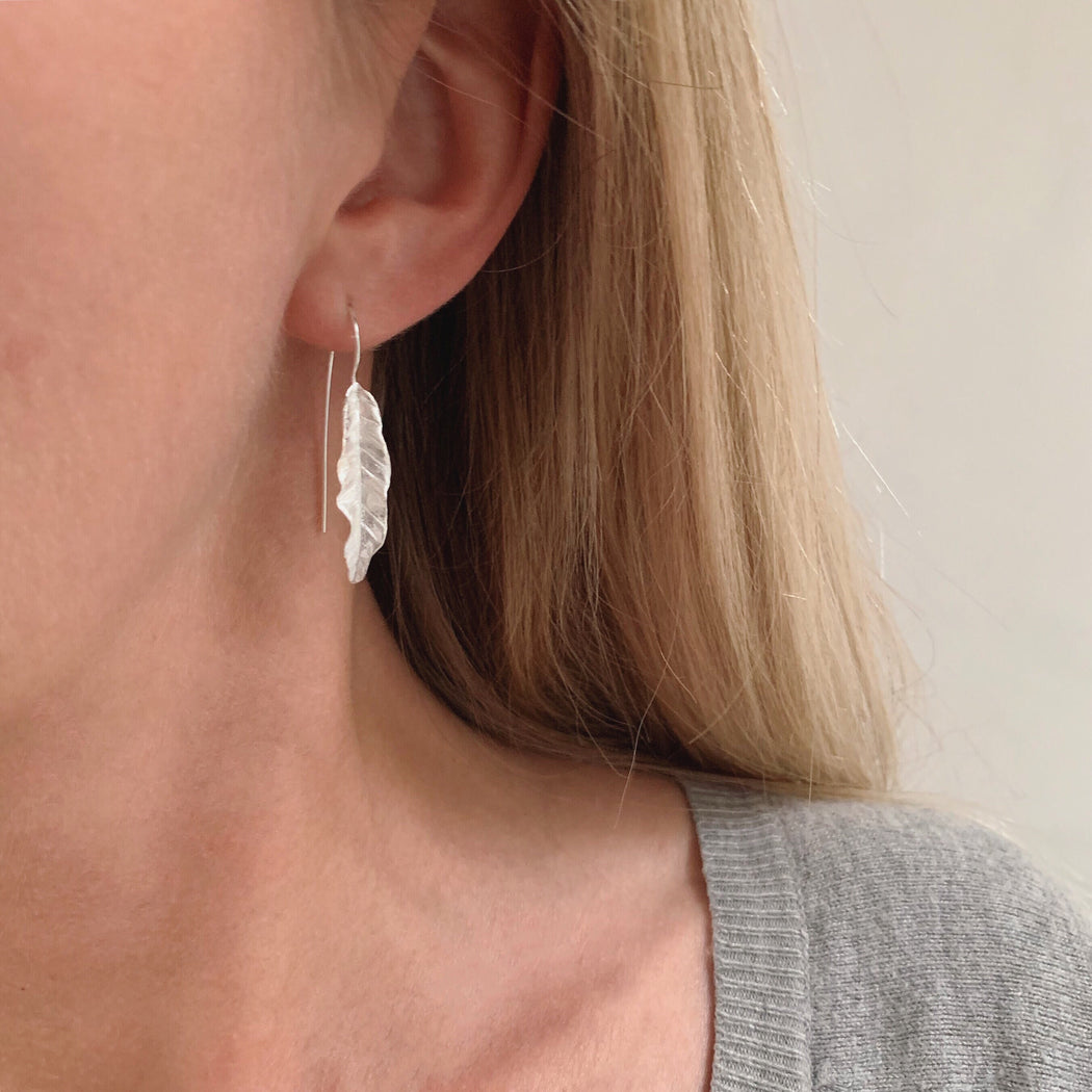 HOLLY SILVER EARRING