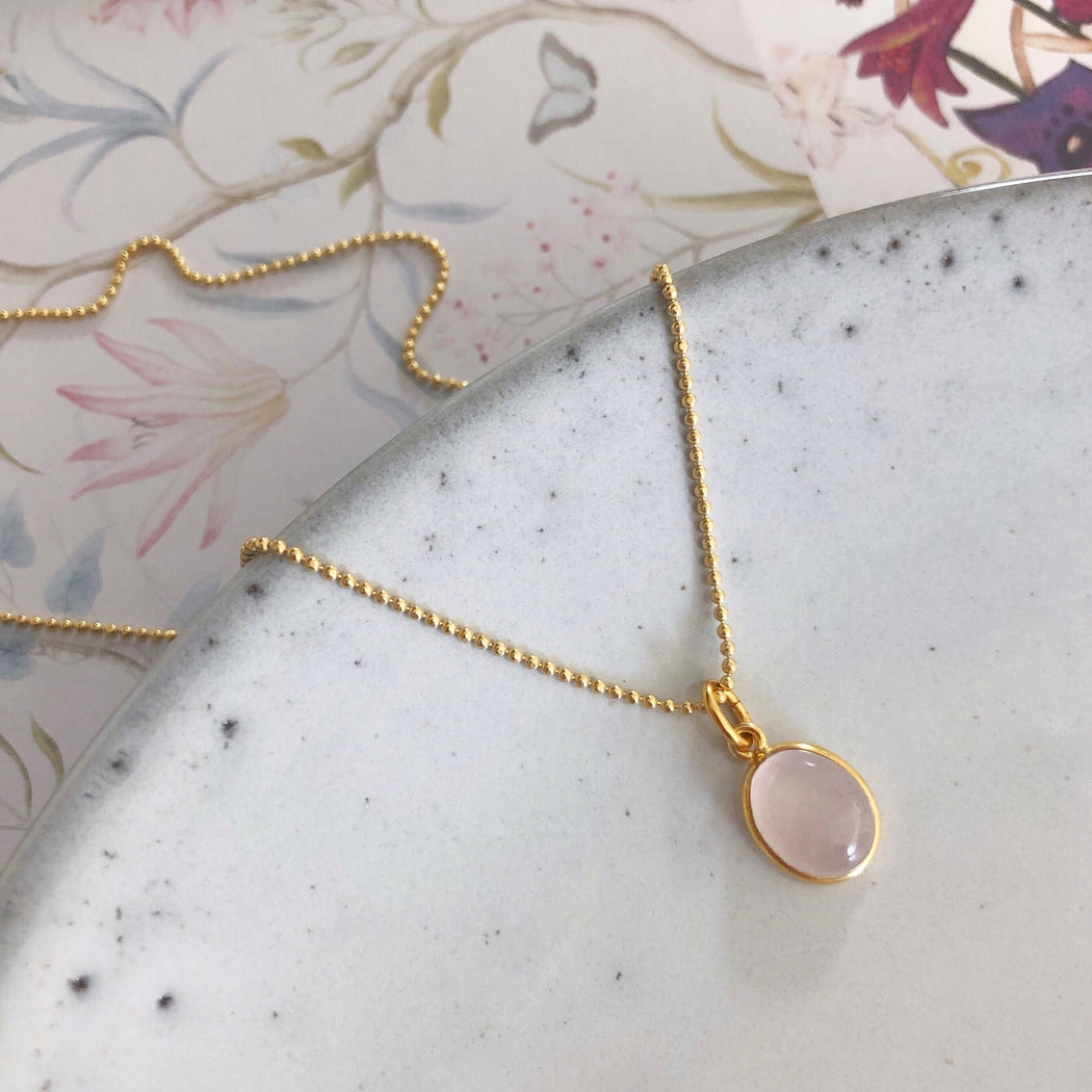 LUNA ROSE GOLDEN NECKLACE