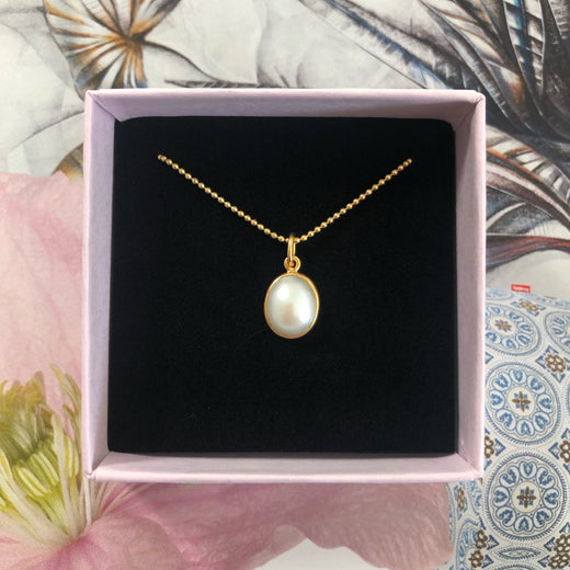 LUNA PEARL GOLDEN NECKLACE