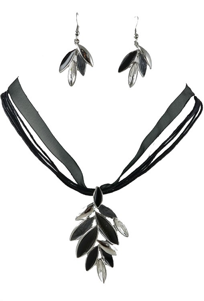 Black Leaf Necklace and Pierced Earrings Set