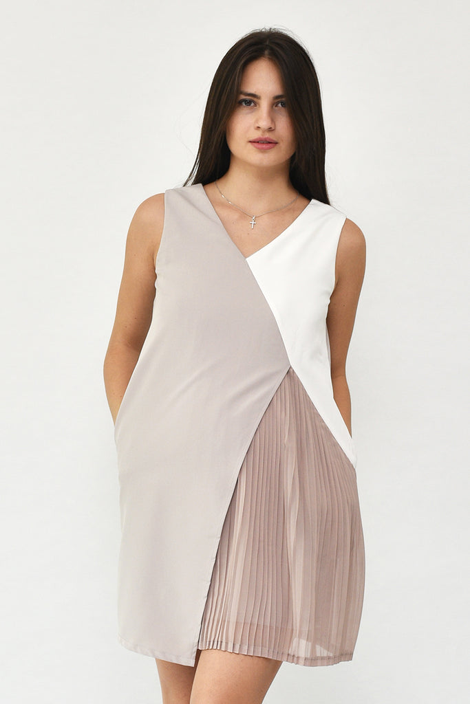 Isabella V-Neck Tri-Colour Pleated Dress in Chestnut