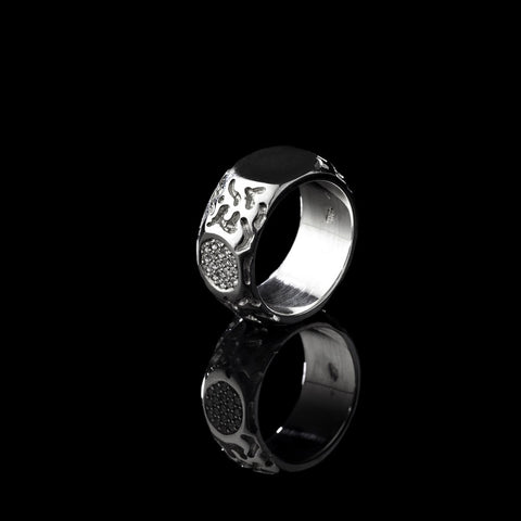 Ying Yang Ring with Black and White Diamond Pave Ring