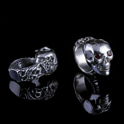Skull Ring w/Garnet Eyes w/Black Dias In Skull w/ White Dias on the Bottom, Garnet