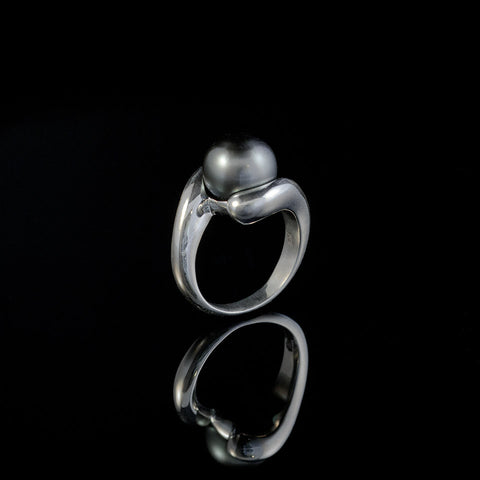 Toi et Moi Tahitian Pearl Ring in Classic Setting