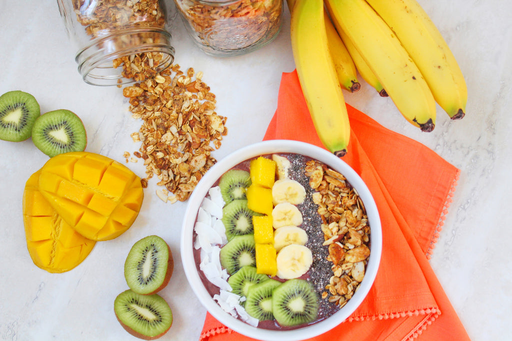 Mango-Banana-Açaí Smoothie Bowl (Plus Homemade Granola)