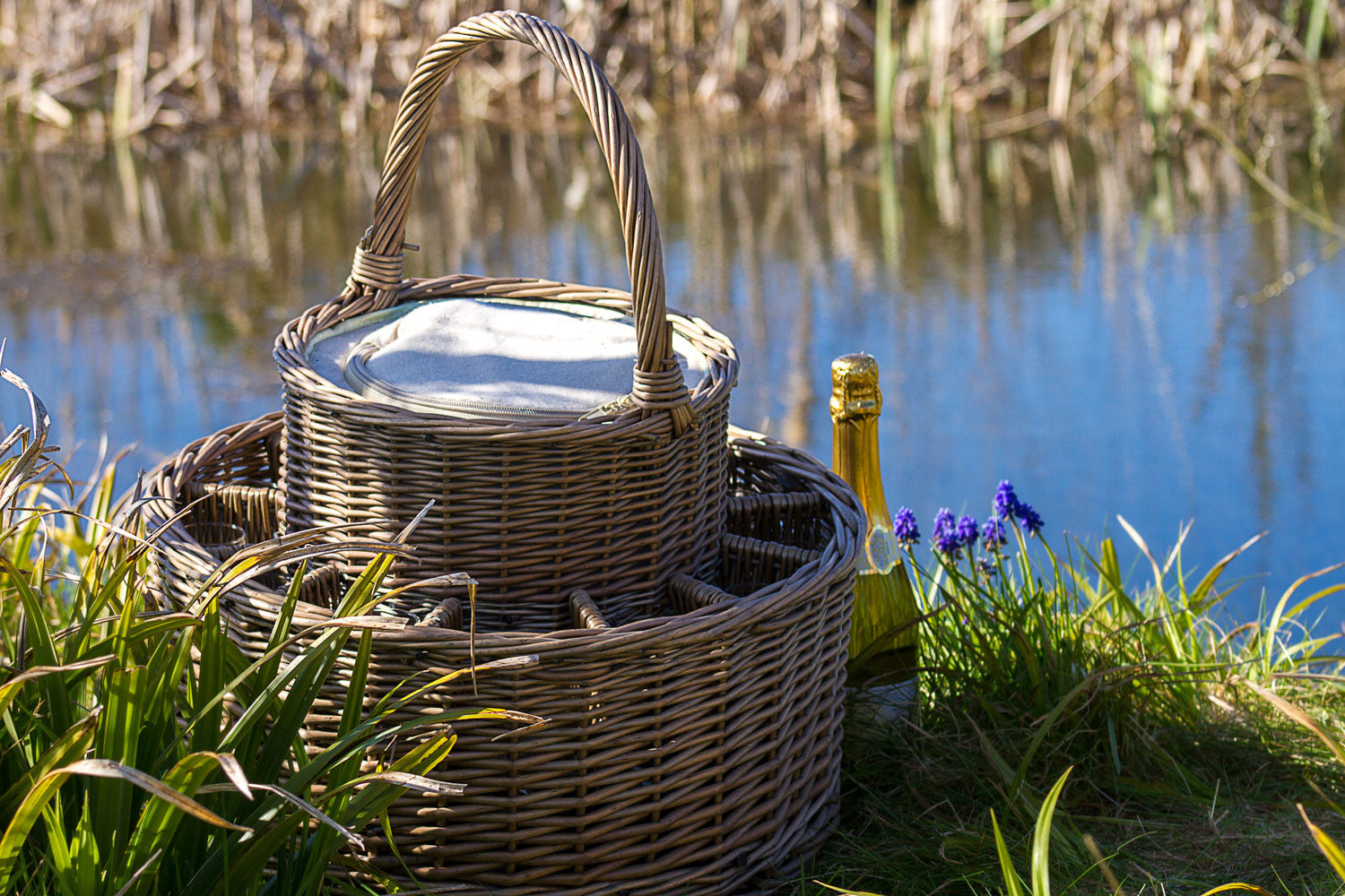 Country Garden Party Basket With Chiller - Eaton Hampers & Basketware
