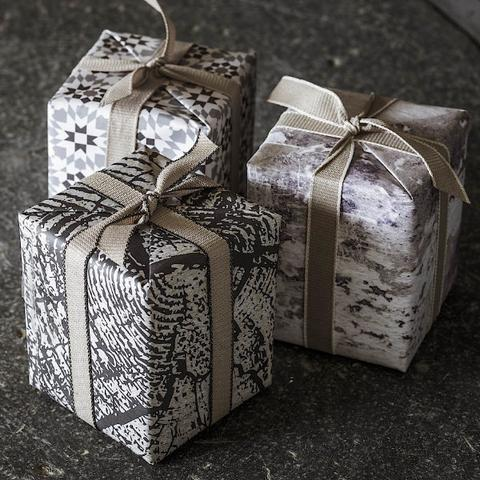 M O S S Gift wrapping